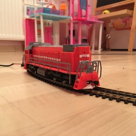 DIESEL TRAIN ENGINE قطار دیزلی